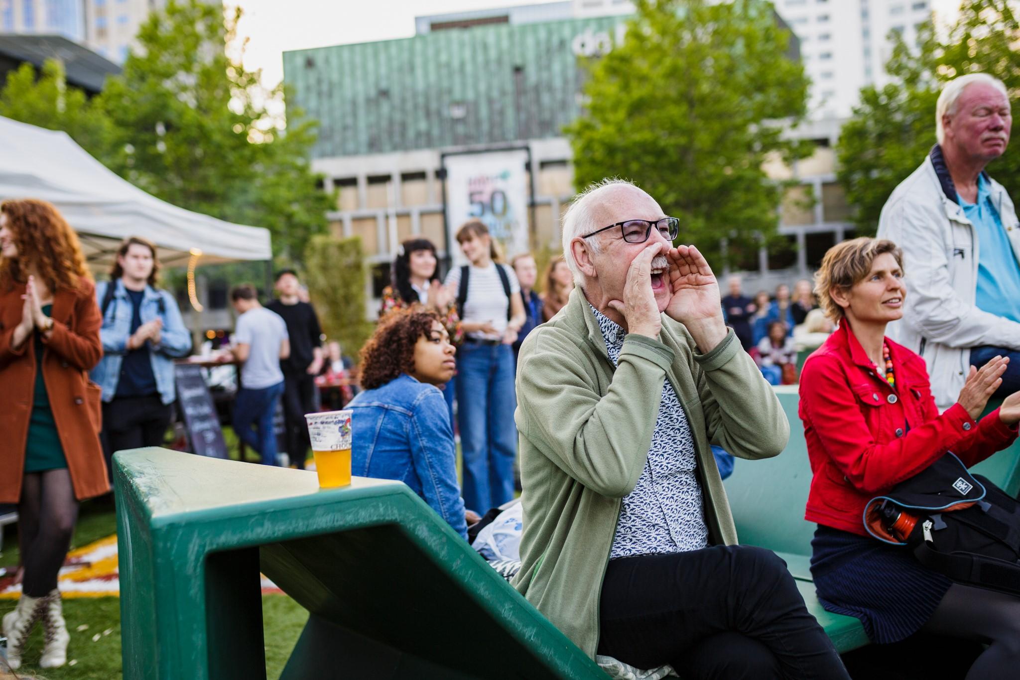 Publiek op Poetry Park
